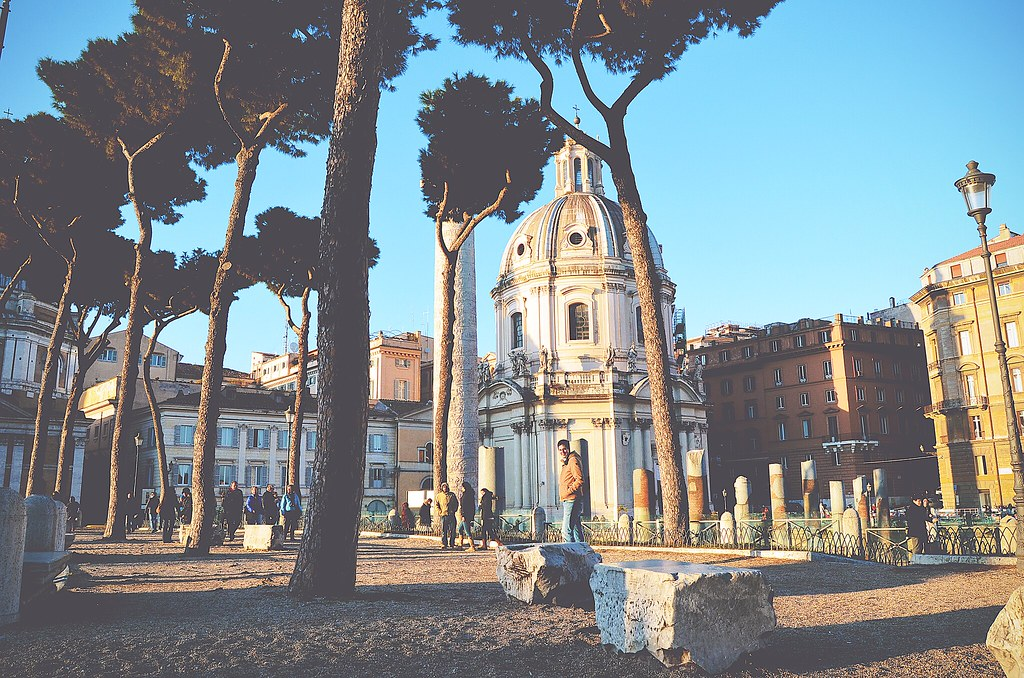 Walking in Rome | via It's Travel O'Clock