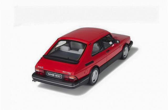 Saab 900 Turbo scale model