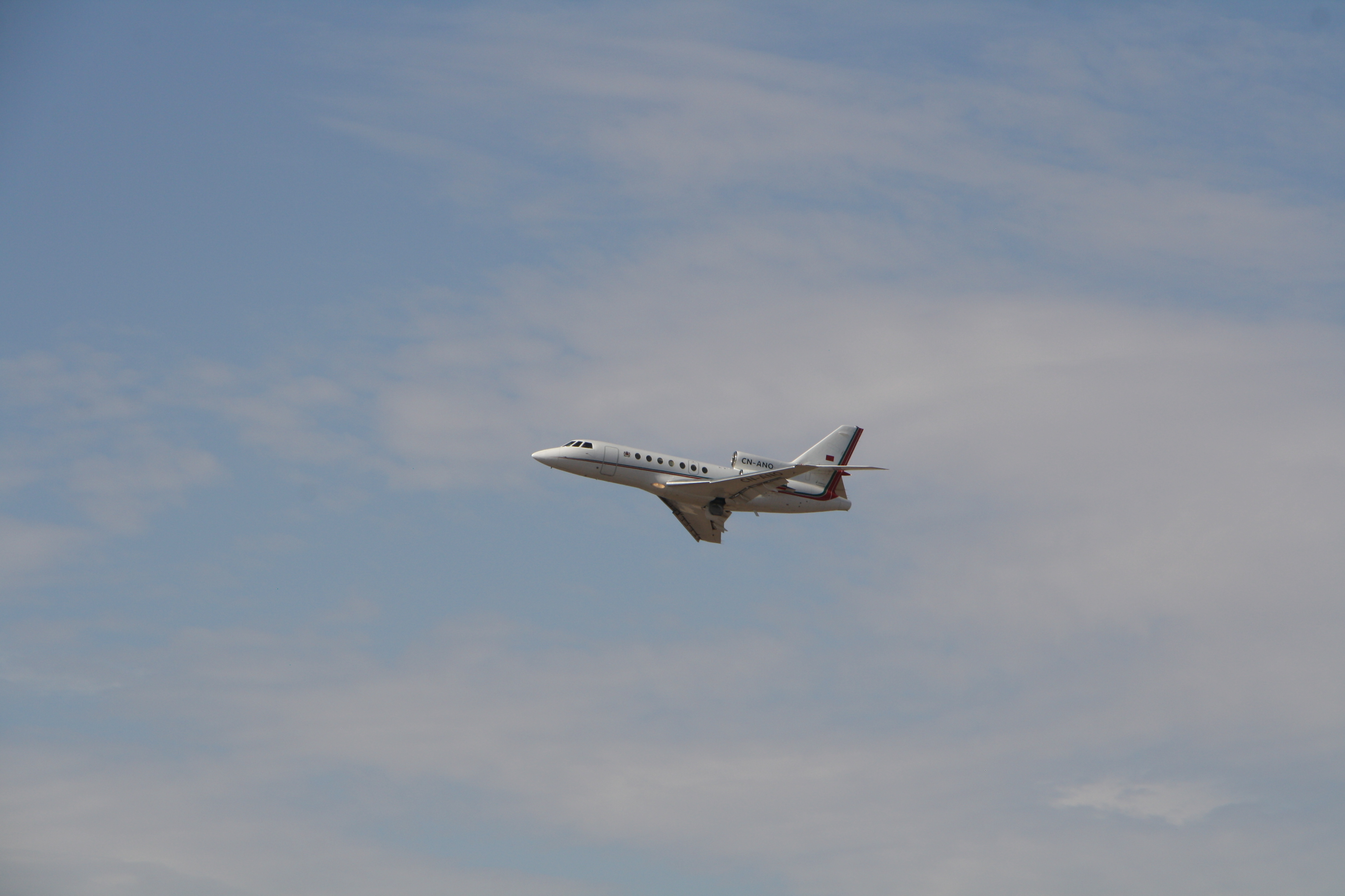 FRA: Avions VIP, Liaison & ECM - Page 13 26460461000_9555b0df0e_o