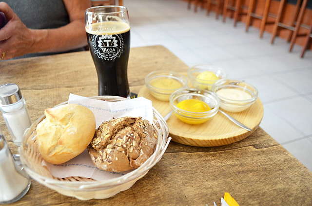 Beer and bread, Tacoa Cerveceria, El Sauzal, Tenerife