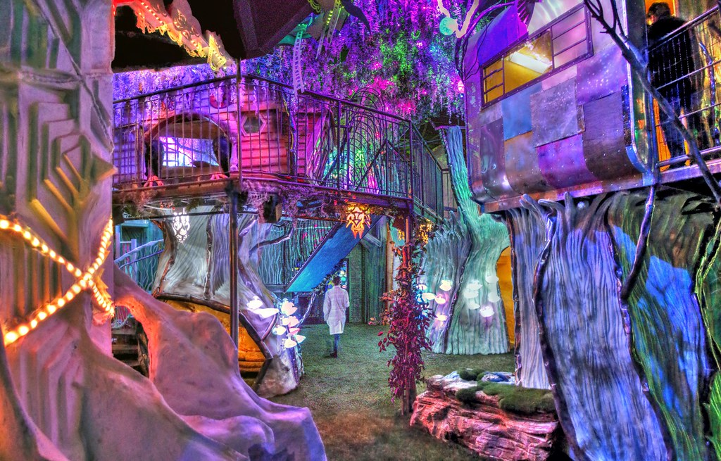 Meow wolf house of eternal return joel deluxe flickr for Www the house com returns