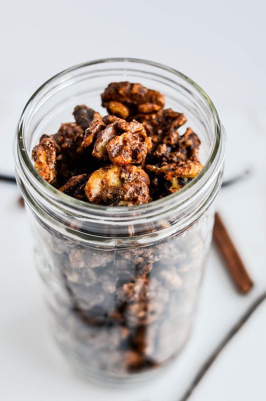 Cinnamon and Vanilla Walnuts | cookingalamel.com