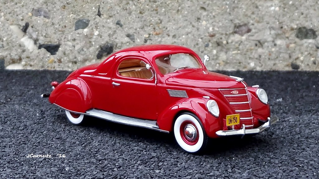 Diecast car forums pics occasional dose of diecast for 1937 lincoln zephyr 3 window coupe for sale