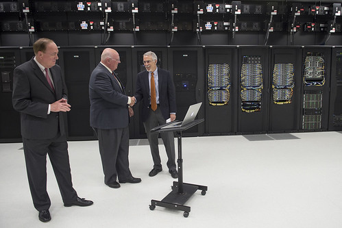 President Gogue, Provost Boosinger, Nick Giordano tour Super Computing facility