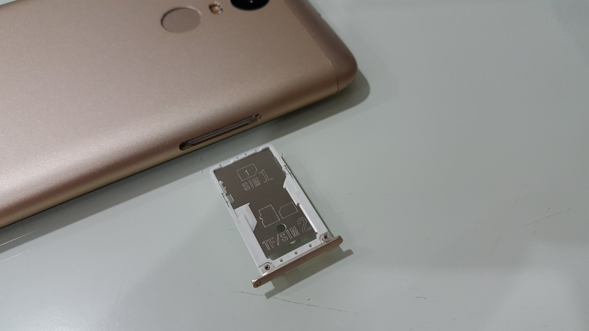 The SIM slot support micro SIM and as well nano SIM The second SIM slot also works as microSD card slot if you are not using the second SIM or vice versa