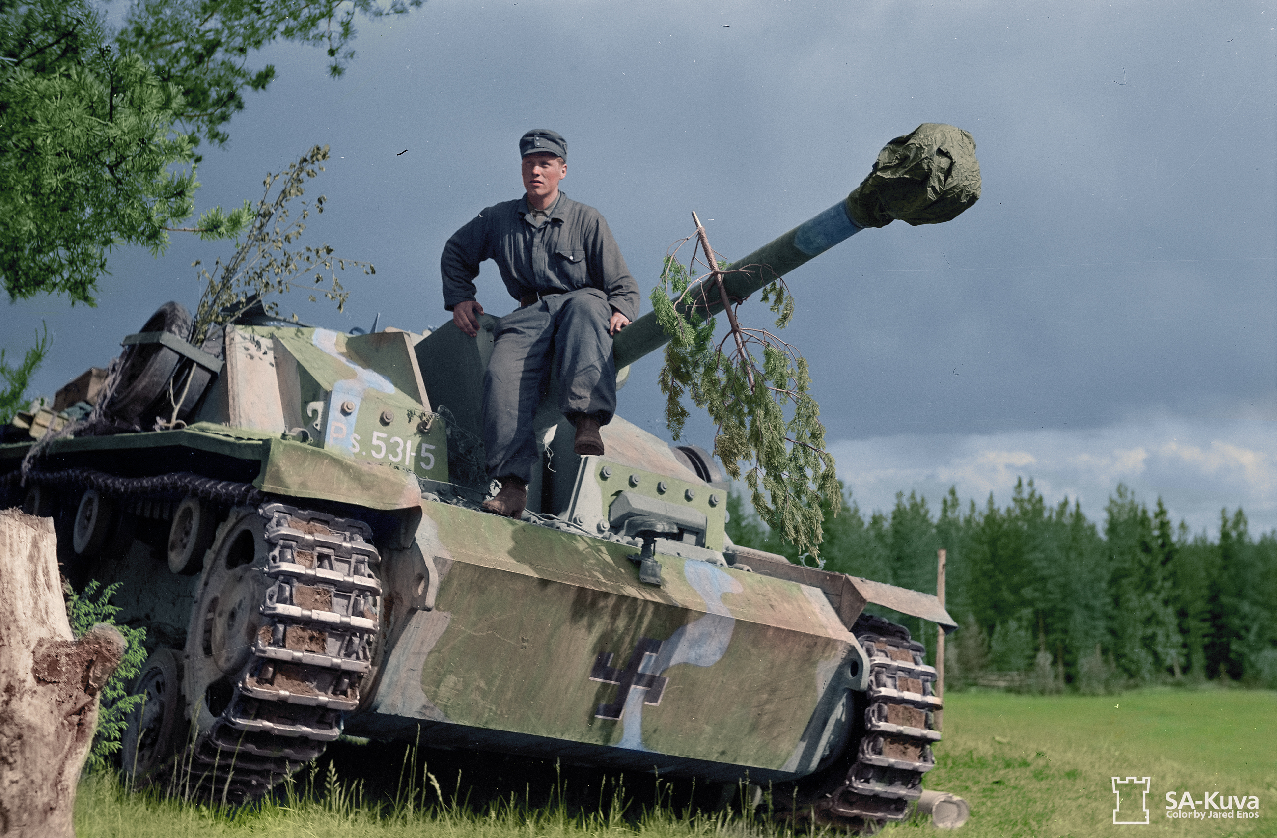 Our Soviet tank soldier plays in a helmet and a padded jacket, but the whole lie of this to 93