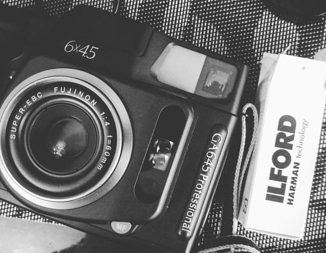Fujifilm GA645的黑白世界