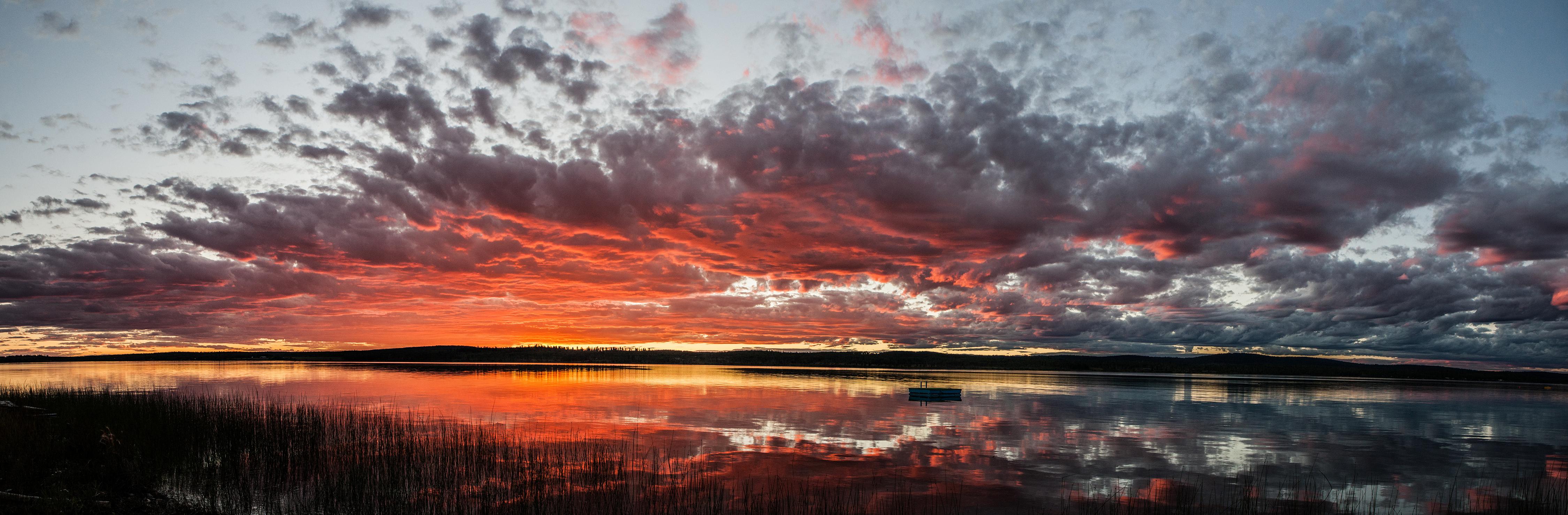 Green Lake, British Columbia. Summer sunset panorama. [OC][OS][4500x1479]