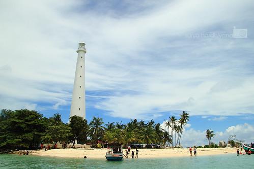 Pulau Lengkuas dengan Mercusuarnya