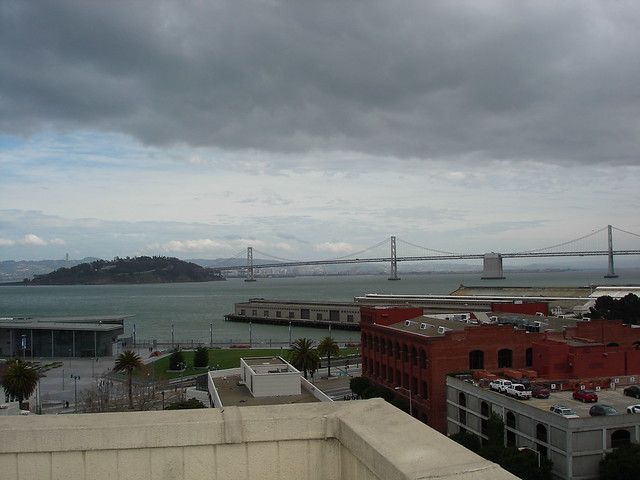 2br – Spacious Townhouse 2 Bedroom 2.5 Bath W/Pkg. North Waterfront Unfurnished