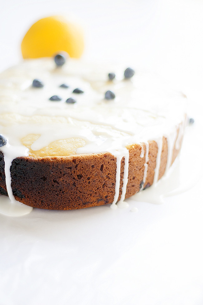slow cooker lemon + blueberry bread | heathersfrenchpress.com