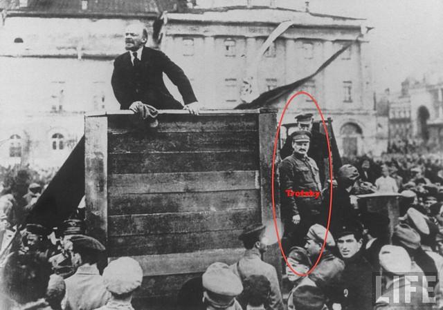 Trotski y Lenin