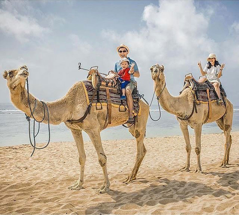 6-camel-ride--via-pradanaditya