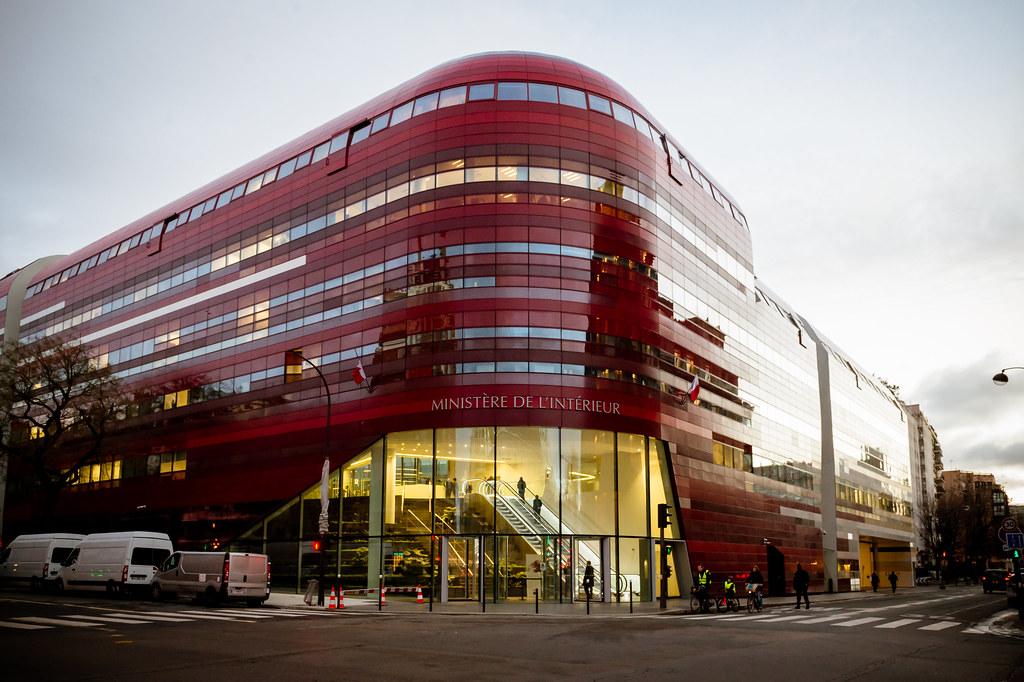 Inauguration de l 39 immeuble garance par bernard cazeneuve for Ptz ministere interieur