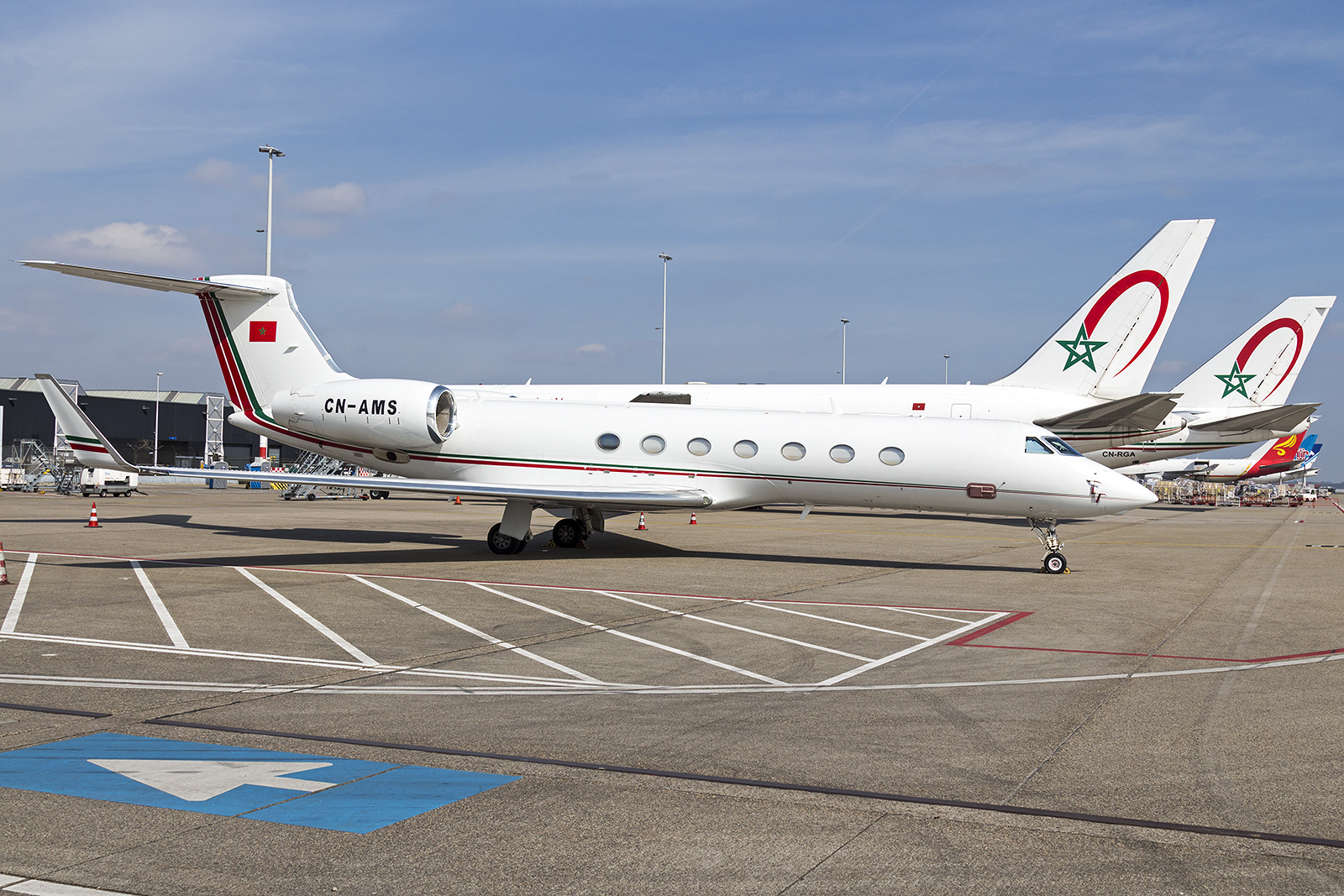FRA: Avions VIP, Liaison & ECM - Page 12 25447606393_1fbd8b9187_o