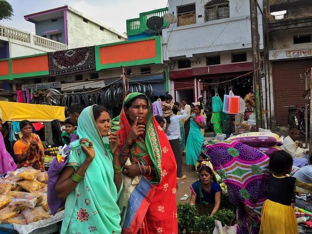 Escena en un pueblo cualquiera de Madhya Pradesh (India)