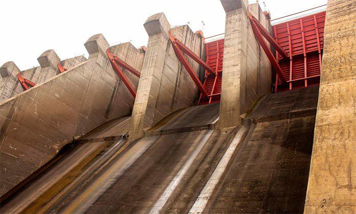 Embalse de Guri sube 11 cm y su caudal se incrementa debido al inicio de las lluvias en el Edo. Bolívar