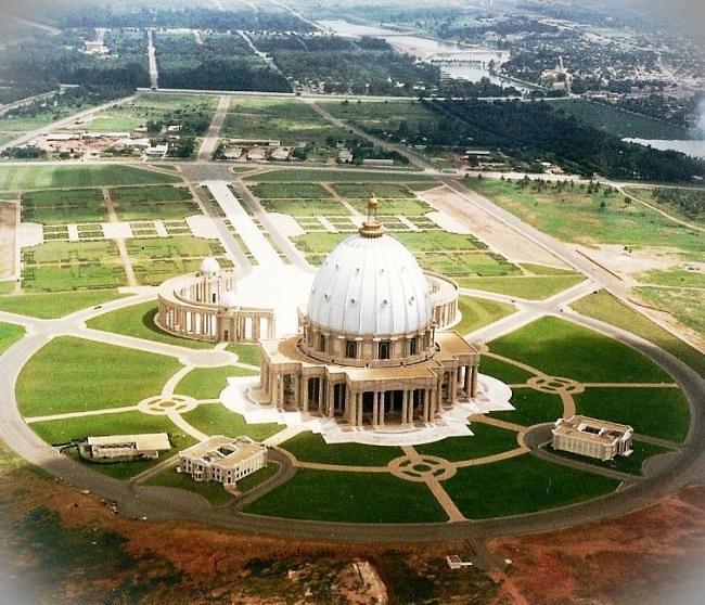 ये हैं दुनिया के 8 सबसे खूबसूरत चर्च, इनका Architecture है बड़ा अनूठा