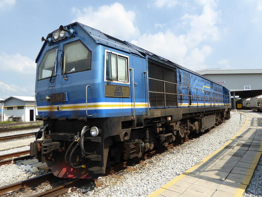 ktm class 29 29104 jati at bukit tengah depot | cnr 2005 dal… | flickr