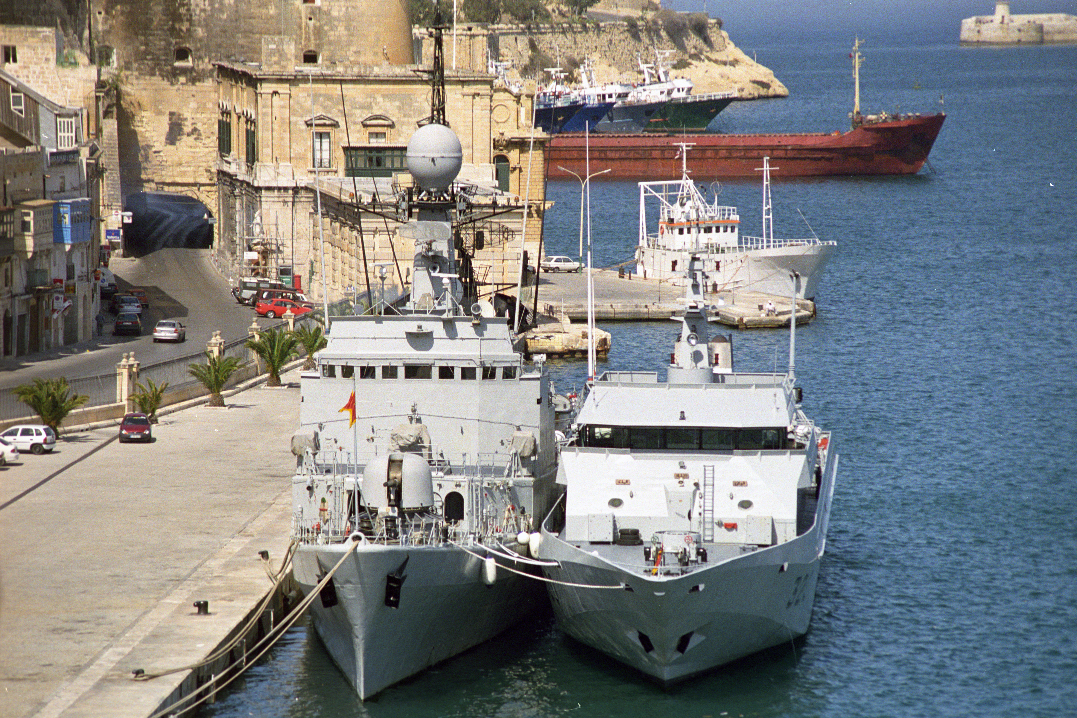 Royal Moroccan Navy Descubierta Frigate / Patrouilleur Océanique Lt Cl Errahmani - Bâtiment École - Page 3 24685087910_50e5c839d8_o