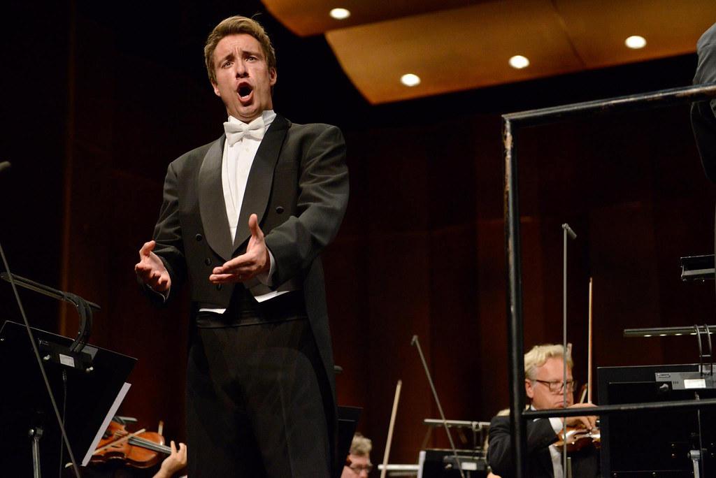 Yuriy Yurchuk Performs At Queen Sonja International Singin