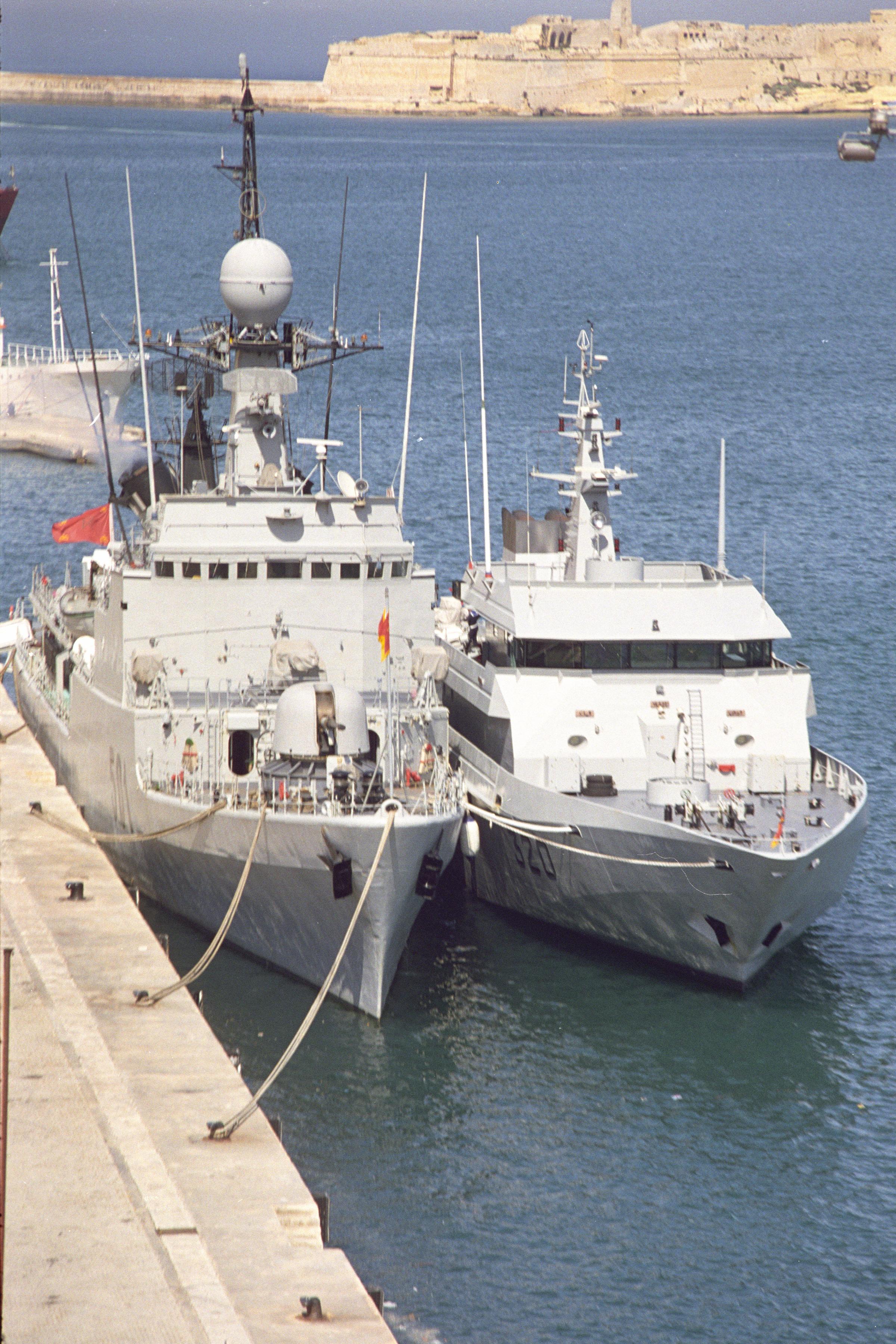 Royal Moroccan Navy Descubierta Frigate / Patrouilleur Océanique Lt Cl Errahmani - Bâtiment École - Page 3 24954389246_44912a3b1b_o