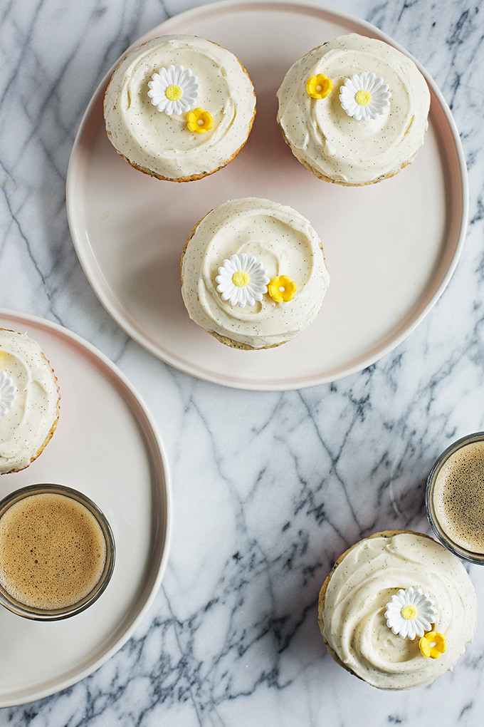 Lemon Poppy Seed Cupcakes with Vanilla Cream Cheese Frosting