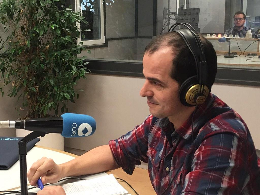 Thumbnail for El COIGT Hablando de SIG y geotecnologías en el 92.6FM COPE Valencia junto con la Asociación gvSIG