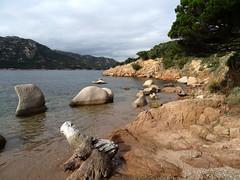 La petite plage intermédiaire vers la pointe d'A Testa di a Carpiccia