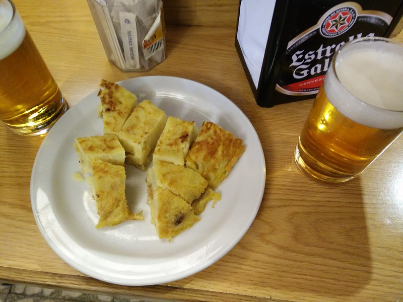 Spanish tortilla with beer - WithLocals Madrid Tapas Tour