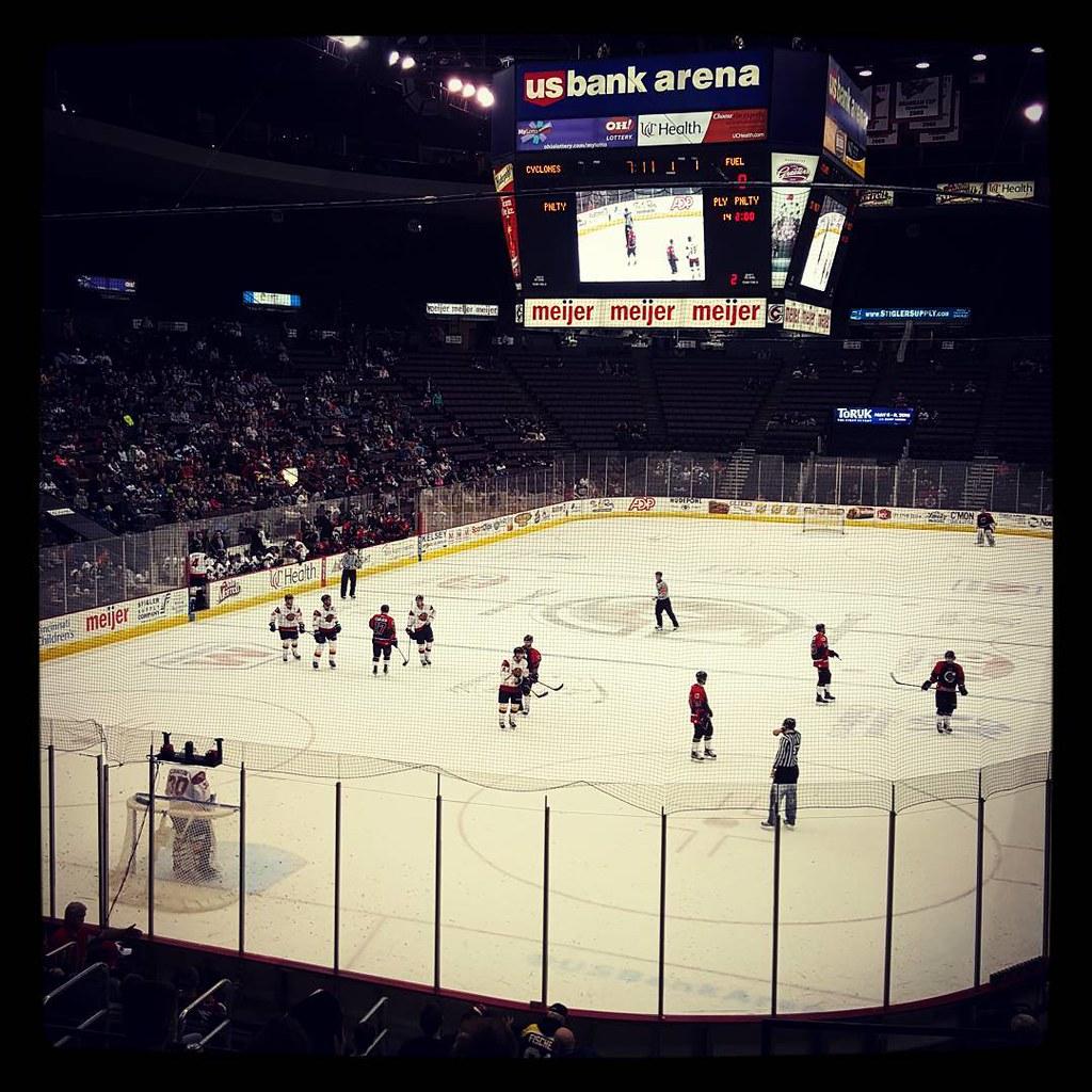 Cyclones Hockey Game 15 T G