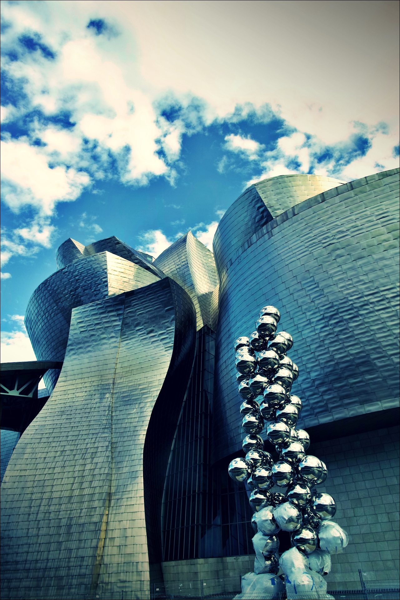 밖-'빌바오 구겐하임 미술관 Guggenheim museum bilbao'