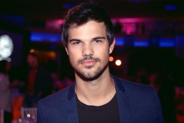 Taylor Lautner sorprende al mundo con su nueva apariencia ¡Adiós cuadritos! (Fotos)