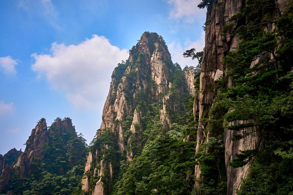 Huangshan mountains Huangshan Anhui China | Huangshan ...