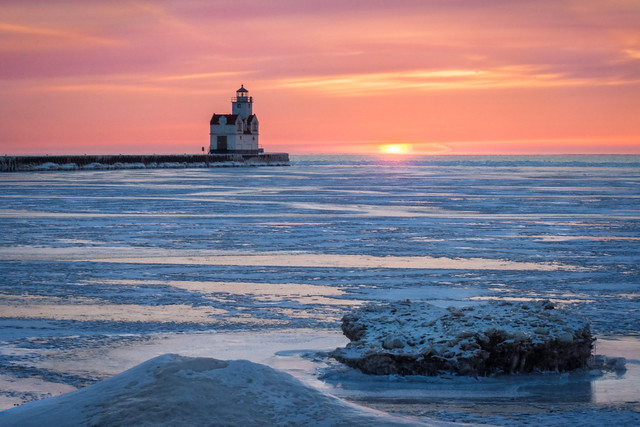 Ice, Cold, Winter, Lighthouse, Sunrise, Kewaunee, WI, Lake Michigan