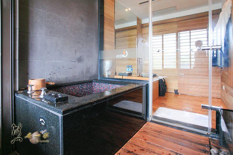 金都精緻溫泉飯店|親水景觀冷熱情人湯屋