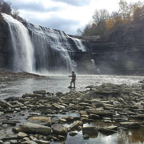Fishing at the lower falls on the genesee river for Fishing rochester ny