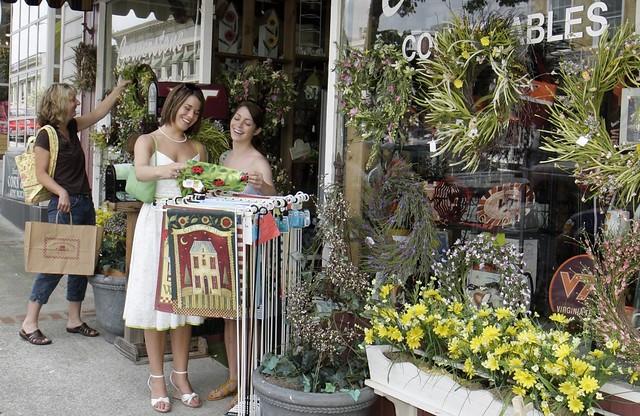 Shopping on Main Street Salem