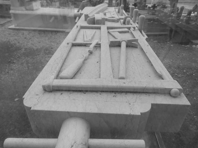 Tumba del carpintero en el Cementerio de los Placeres (Lisboa)