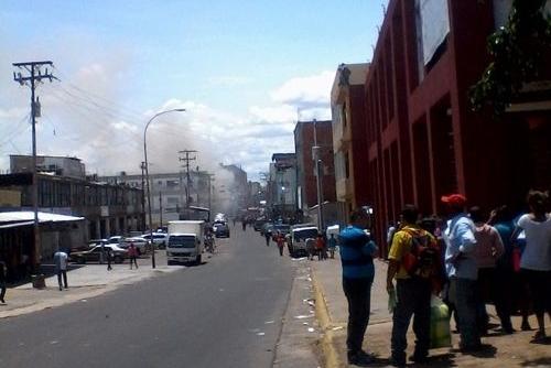 Incendio en zapatería del centro de San Félix propició conato de saqueo