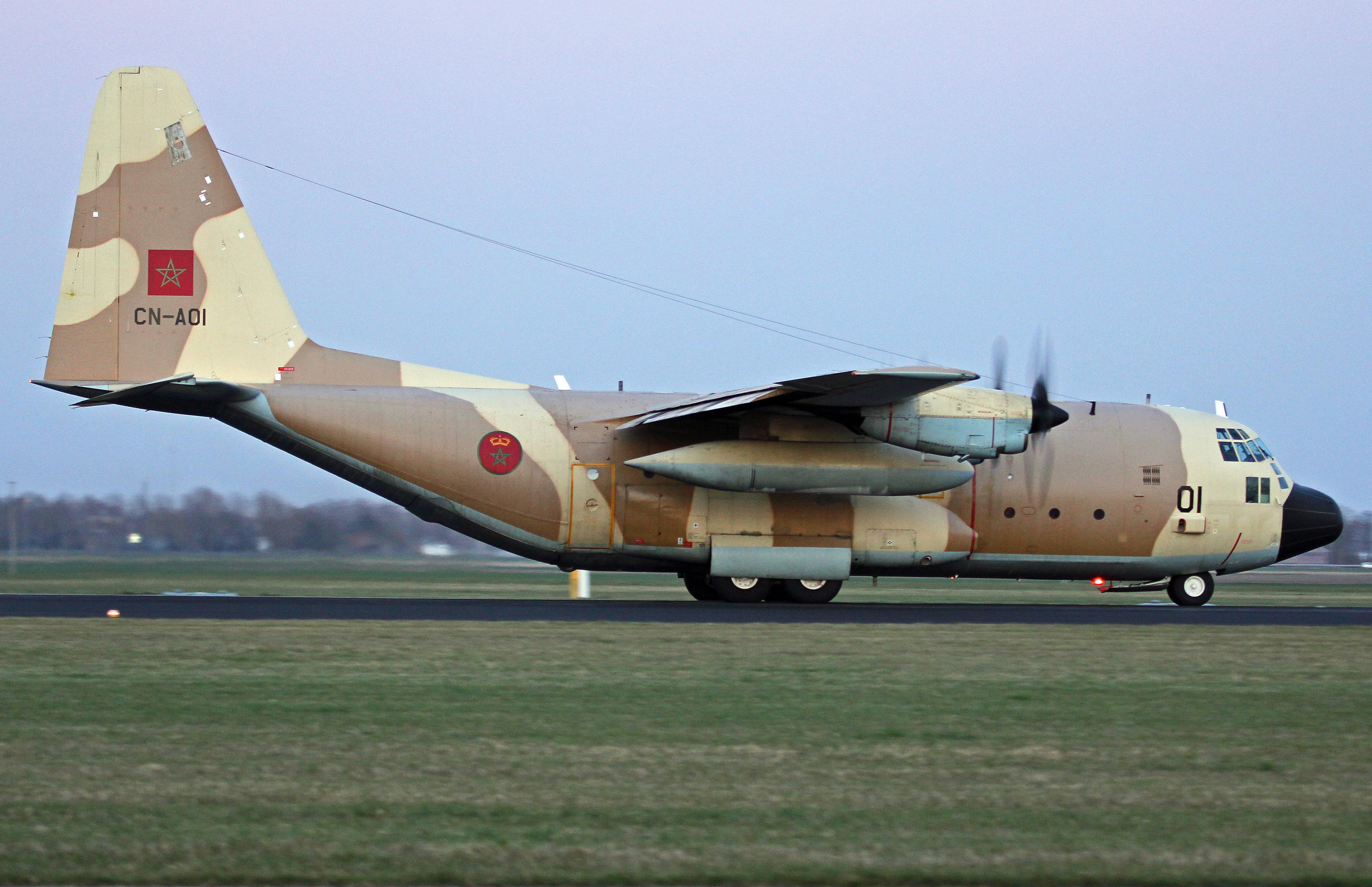 FRA: Photos d'avions de transport - Page 27 26034010521_13f60a08f1_o