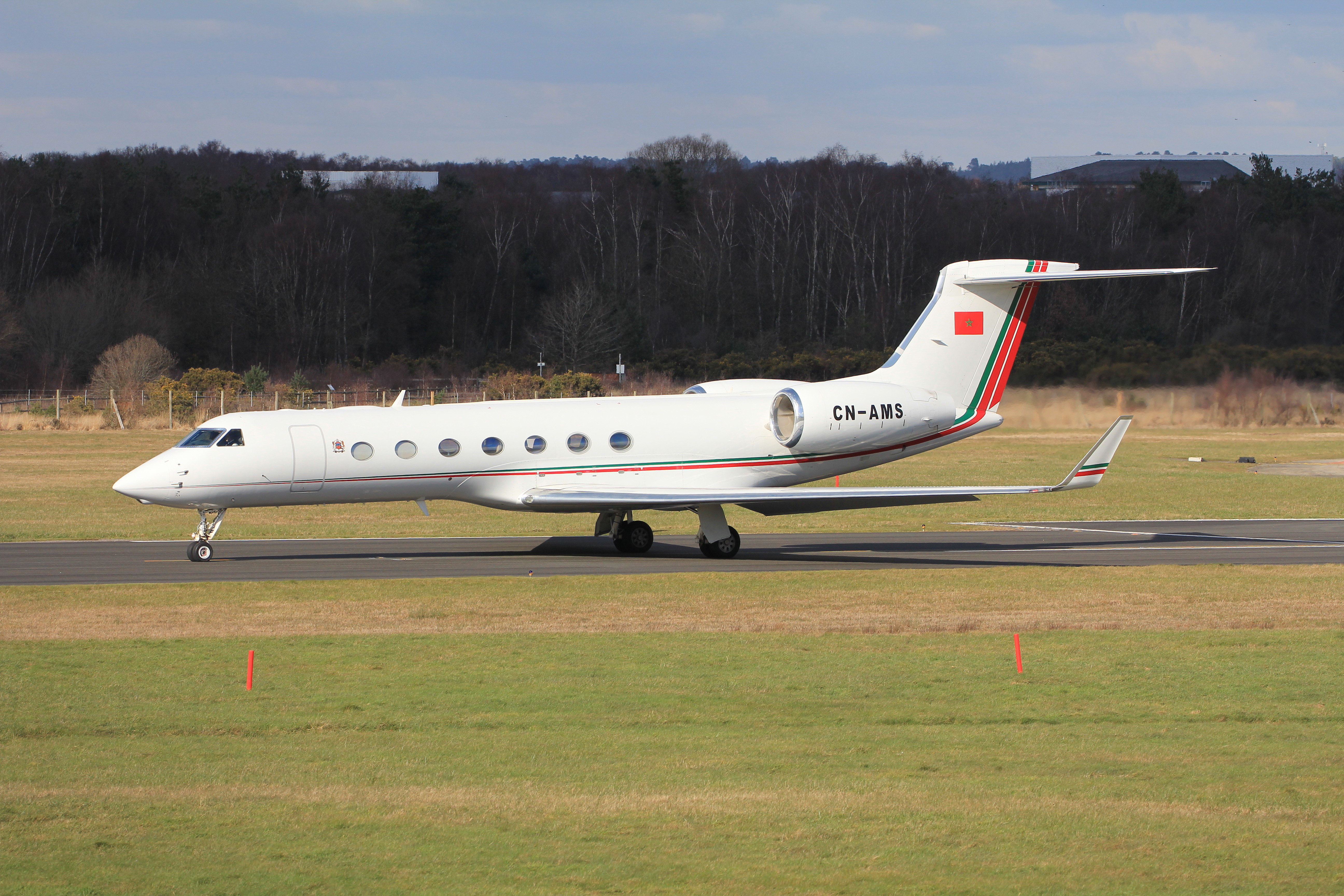 FRA: Avions VIP, Liaison & ECM - Page 12 25594288265_24e8b03b5f_o