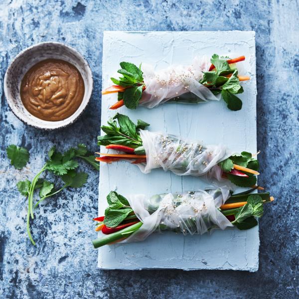 Rispapirsruller med sprøde grøntsagerl