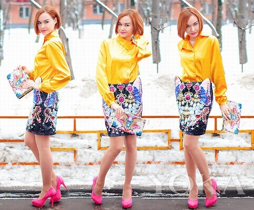 Bright colored items Hold the gorgeous skirt