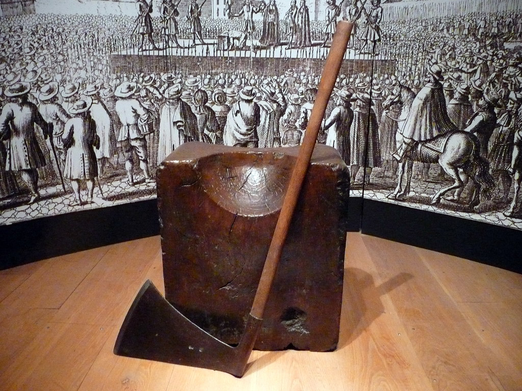 An executioner's block in tHe Tower of London. Image credit John Morris, flickr