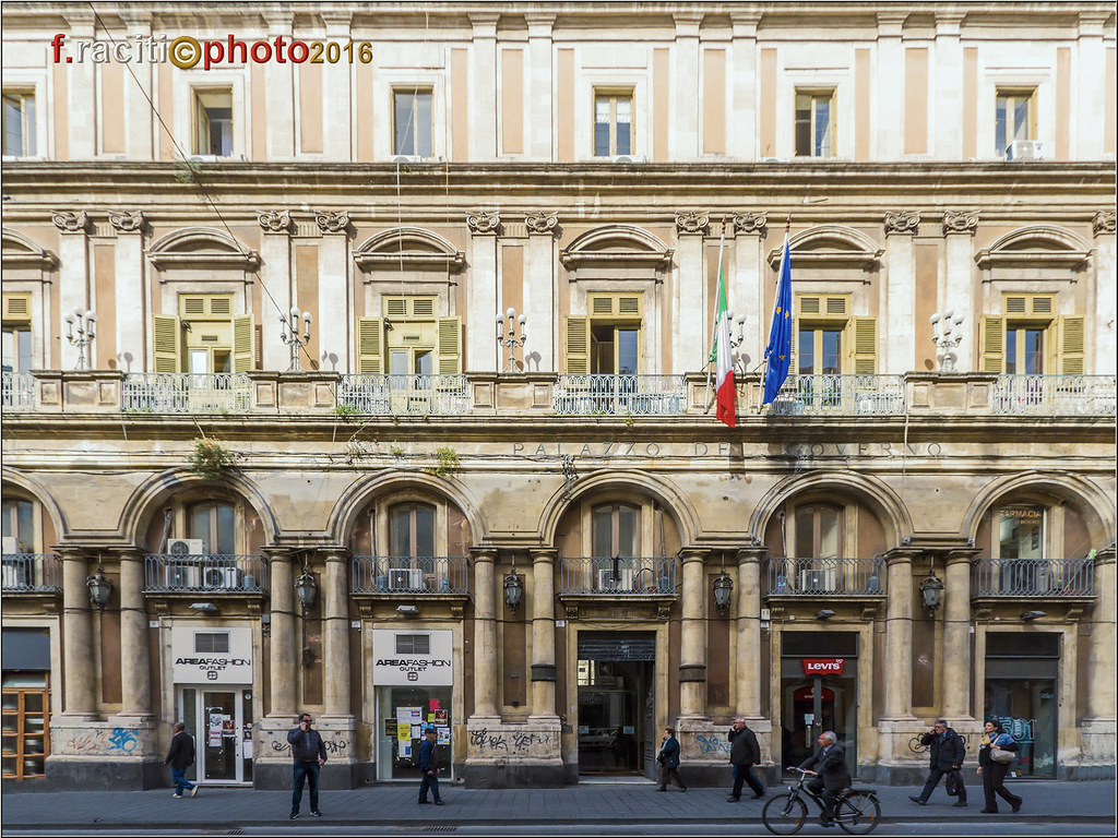 Virtual tour etneo for Palazzo a due piani