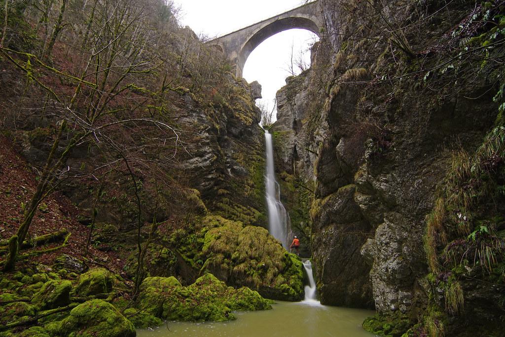 Une L�gende De La Cascade: Cascade Du Pont Du Diable Vers Crouzet Migette