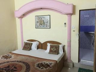 Habitación del terrible Suniya Palace (Agra)