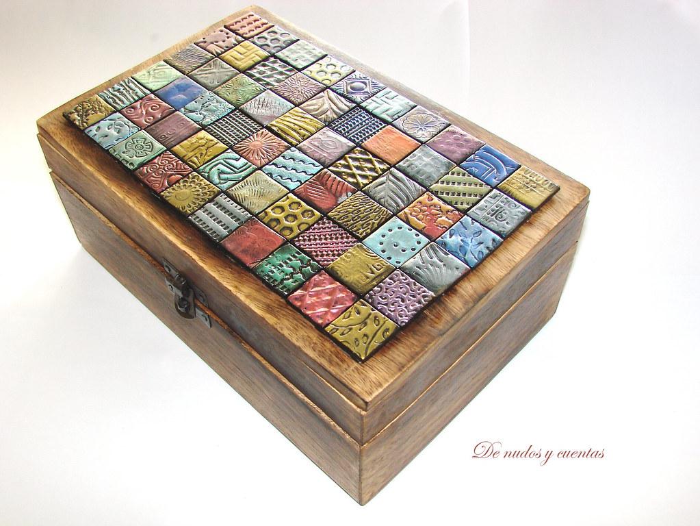 Caja con teselas caja de madera con tapa con teselas en for Caja madera con tapa