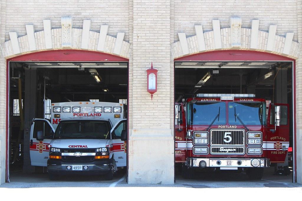 Portland Fire Dept  Seagrave Pumper And Chevrolet